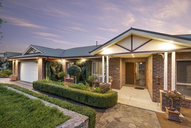 4 Balladonia Place, NSW 2619