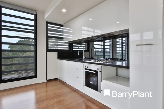 202/3 Red Hill Terrace, Doncaster East VIC 3109