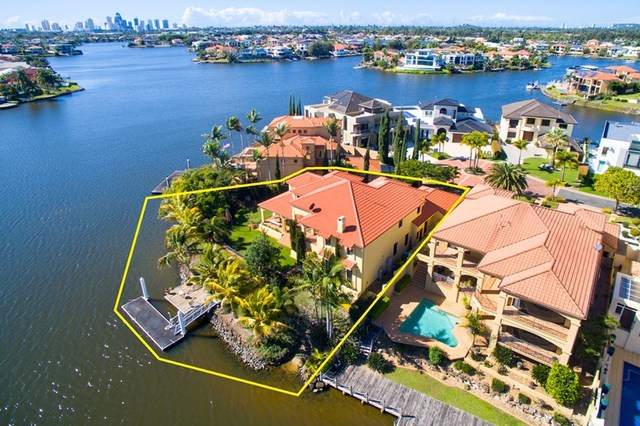 40 Istana  View, Clear Island Waters QLD 4226