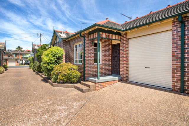 2/3 Hall Street, Merewether NSW 2291