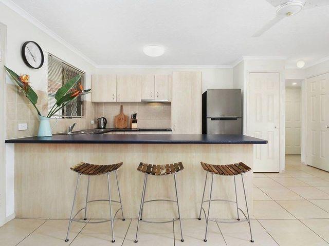 7/262 Cavendish Road, QLD 4151