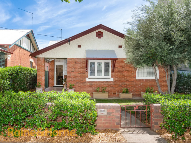 56 Thorne Street, NSW 2650
