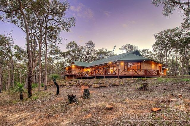 62 Burwood Lane, Yallingup WA 6282