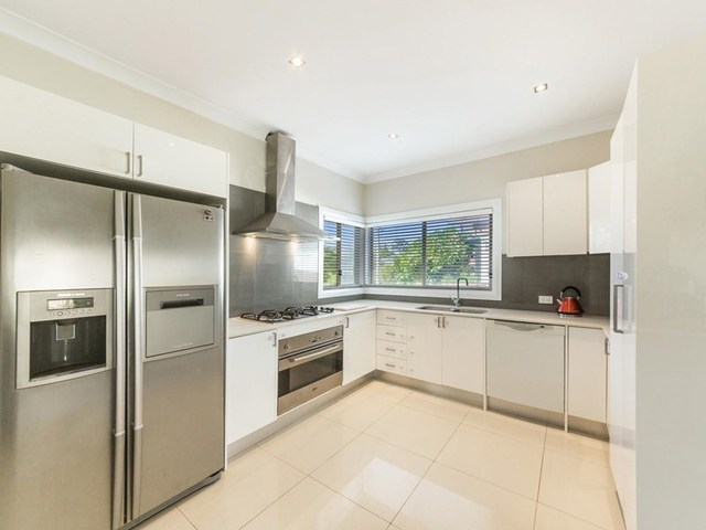 2 Preston Road, Old Toongabbie NSW 2146