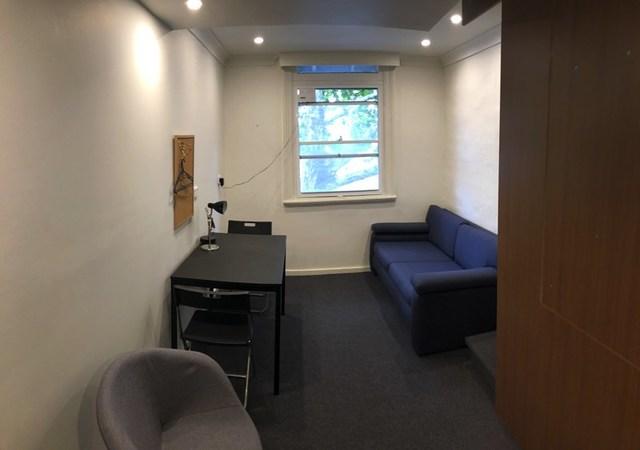 Room 3/628 King Street, NSW 2043