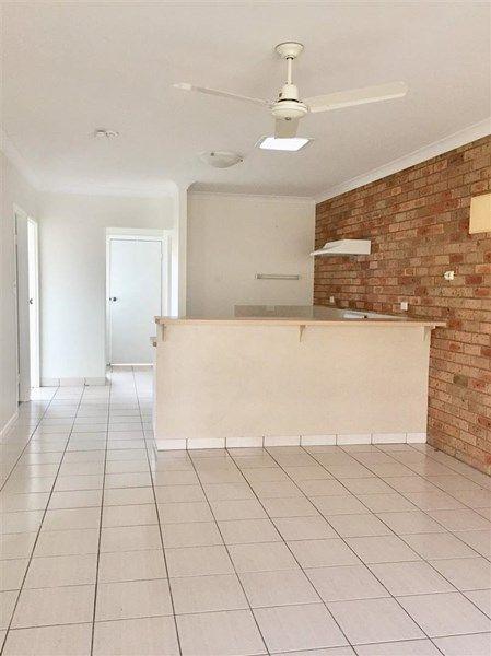8/12 Pandanus Drive, Cannonvale QLD 4802
