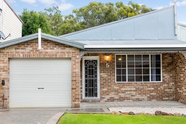 5 Saara Close, Woodrising NSW 2284
