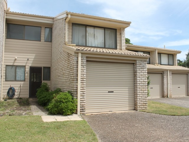 Unit 8/2 Massey Street, Broulee NSW 2537