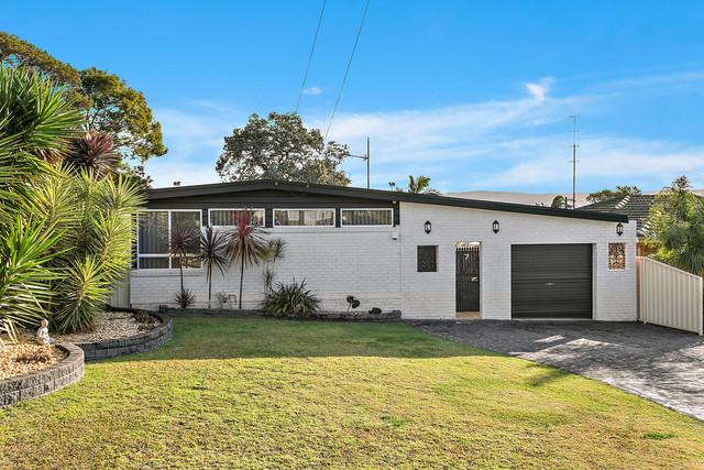 7 Gordon Ave, Oak Flats NSW 2529