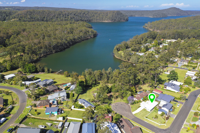 2 Hoylake Grove, NSW 2539