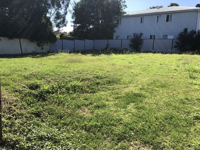 4A Cemetary Road, Ipswich QLD 4305