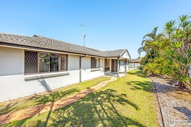 16 Tekapo St, Broadbeach Waters QLD 4218