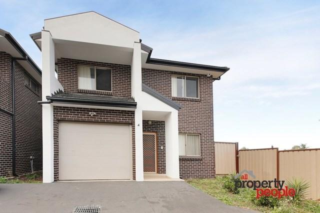 4/16 Groundsel Avenue, Macquarie Fields NSW 2564
