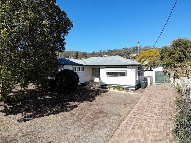 37 Walter Rodd Street, Gunnedah NSW 2380