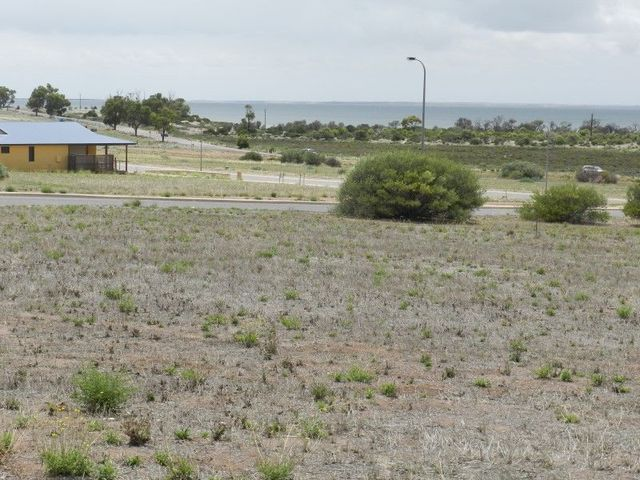 12 Herbert Edwards Drive, Streaky Bay SA 5680