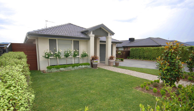 17 Deniston Cct, Bungendore NSW 2621