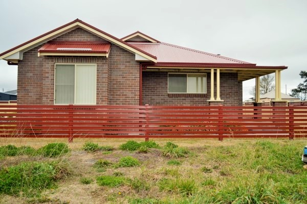 4/12 Hardinge Street, Guyra NSW 2365