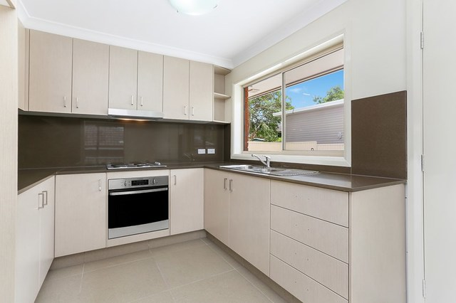 18 Wrench Street, Cambridge Park NSW 2747