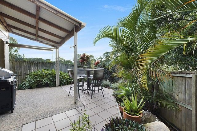 8/29 Oatland Crescent, Holland Park West QLD 4121