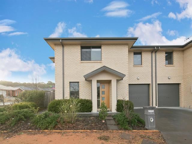 8 Ted Richards Street, ACT 2913