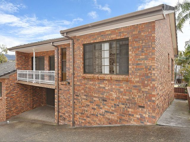 1/2 Staff Road, Cordeaux Heights NSW 2526