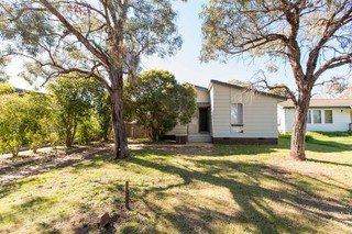 27 Callaghan Street Ashmont NSW 2650