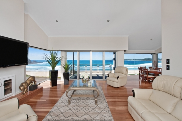 22 Beach Road, Mollymook NSW 2539