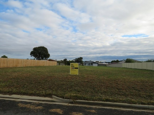 9 Butlers Point Drive, Newlands Arm VIC 3875