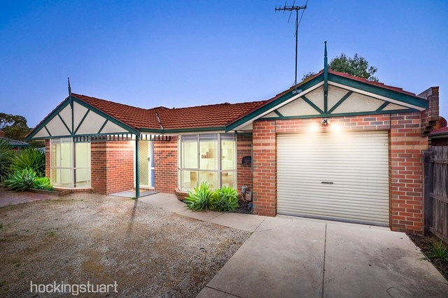 2/37 Bourke Crescent, Hoppers Crossing VIC 3029