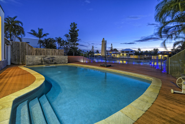 3 Maureen Court, Broadbeach Waters QLD 4218