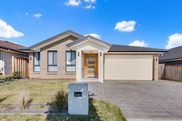 9 Brinsmead Avenue, Middleton Grange NSW 2171