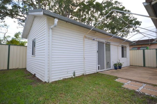 12a Wentworth Avenue, Woy Woy NSW 2256