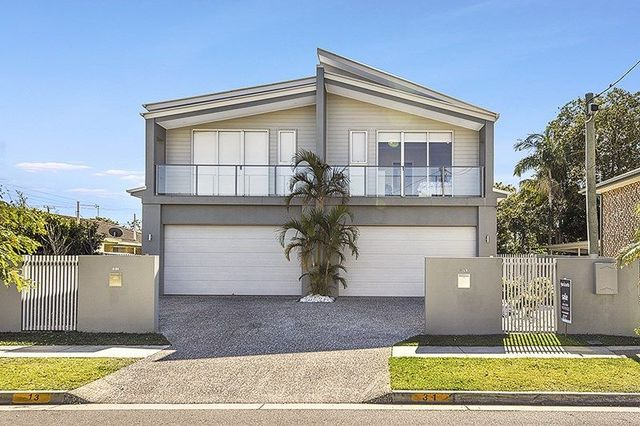 2/31 Milton Avenue, Paradise Point QLD 4216