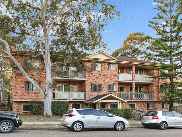 8/41 Hampton Court Road, Carlton NSW 2218