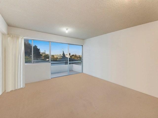 4/27 Canberra Terrace, Kings Beach QLD 4551