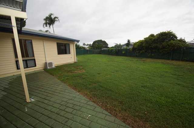 15 Woodlea Court, Kelso QLD 4815