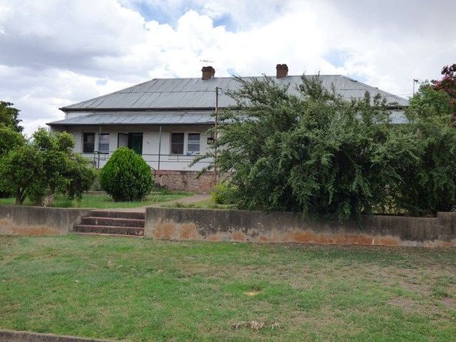 53 Edward Street, Young NSW 2594