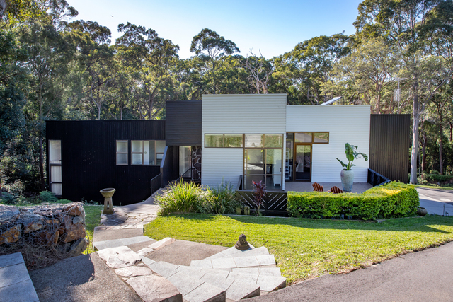 18a Hillcrest Parade, Adamstown Heights NSW 2289