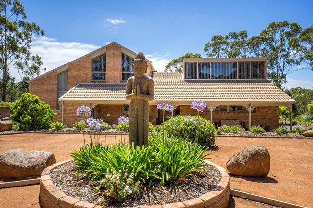 84 Sundew Avenue, Long Forest VIC 3340