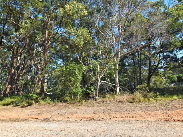 31 Forest Hill Rd, Russell Island QLD 4184