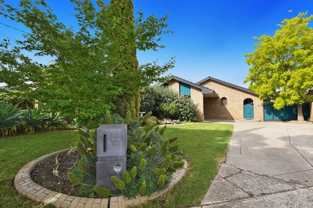 13 Hedgerow Court, VIC 3033