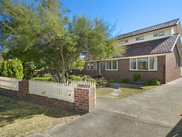 19 Newcombe Street, Drysdale VIC 3222