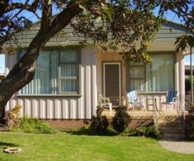 1 Burton Avenue, NSW 2548