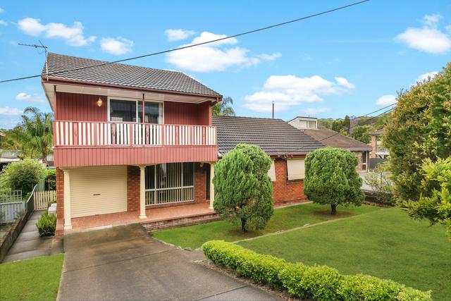 8 Ian Street, Eleebana NSW 2282