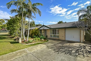 75 Bottlebrush Drive