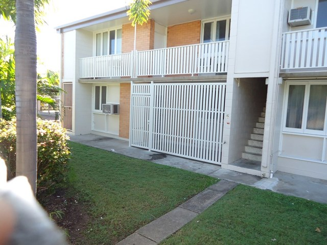 1/15 Percy Street, West End QLD 4810