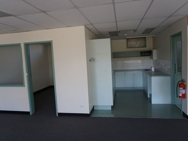 First floor 49 tennant street fyshwick commercial real for E bathrooms fyshwick