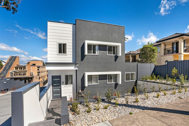 1and6/12 Popes Road, Woonona NSW 2517