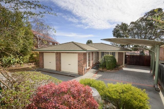 7 Pooley Street, Queanbeyan West NSW 2620