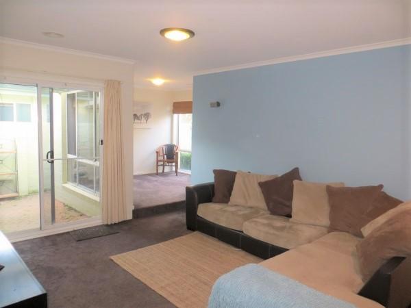 2/4-10 Brudenell Drive, Jerrabomberra NSW 2619